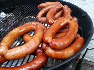 The brats are ready to. Look at the fantastic coloration from the smoke. Oh man!