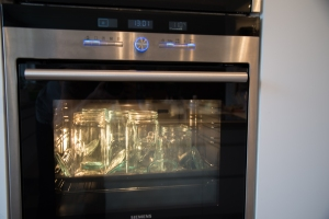 Sterilizing jars in the oven. Easy!